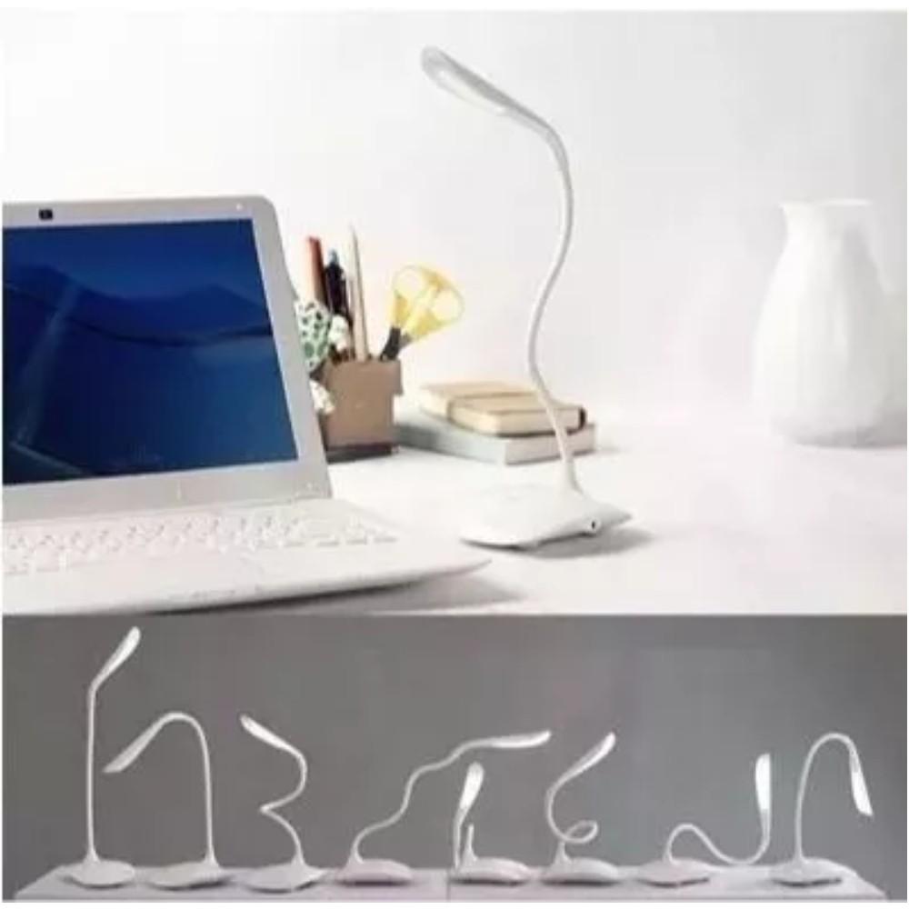Luminária LED de Mesa Flexível USB/Pilha Azul  - Casa do Roadie