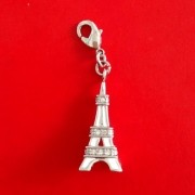 Berloque Trava de Pulseira Torre Eiffel