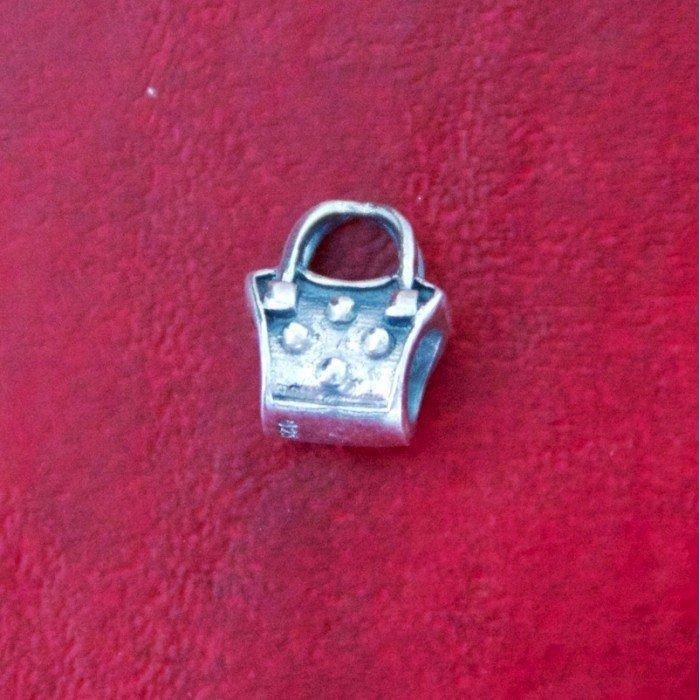 Berloque Bolsa com Botões Prata