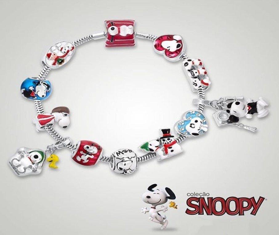 Berloque Snoopy E Charlie Na Neve