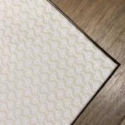 Guardanapo de tricoline  45cm x 45cm creme com mini  coração branco riscado - Cód. OC220
