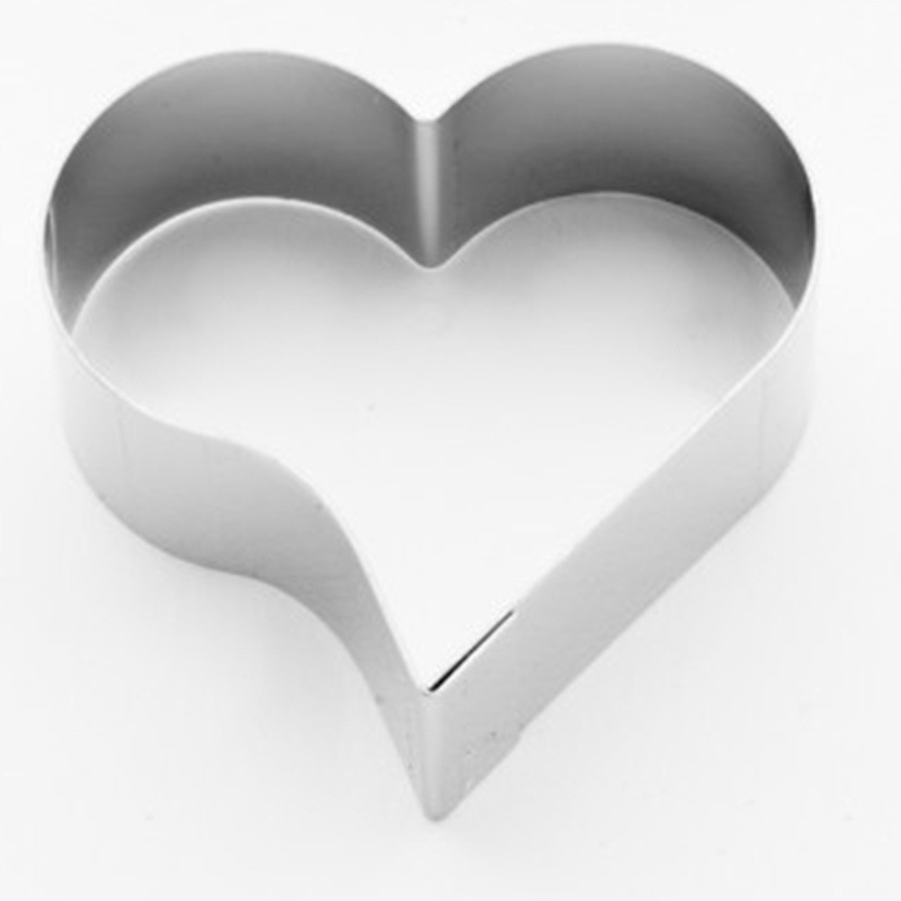 Cortador para petit four formato coração  4,4cm x 4,5cm - Cód 0197