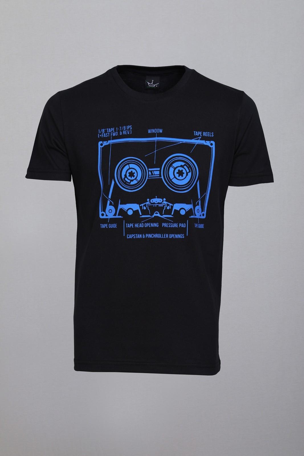 Camiseta CoolWave Fita Cassete Preta