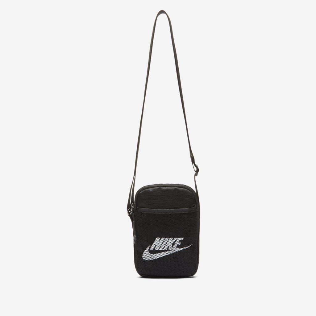 Bolsa Nike Heritage Transversal Preta