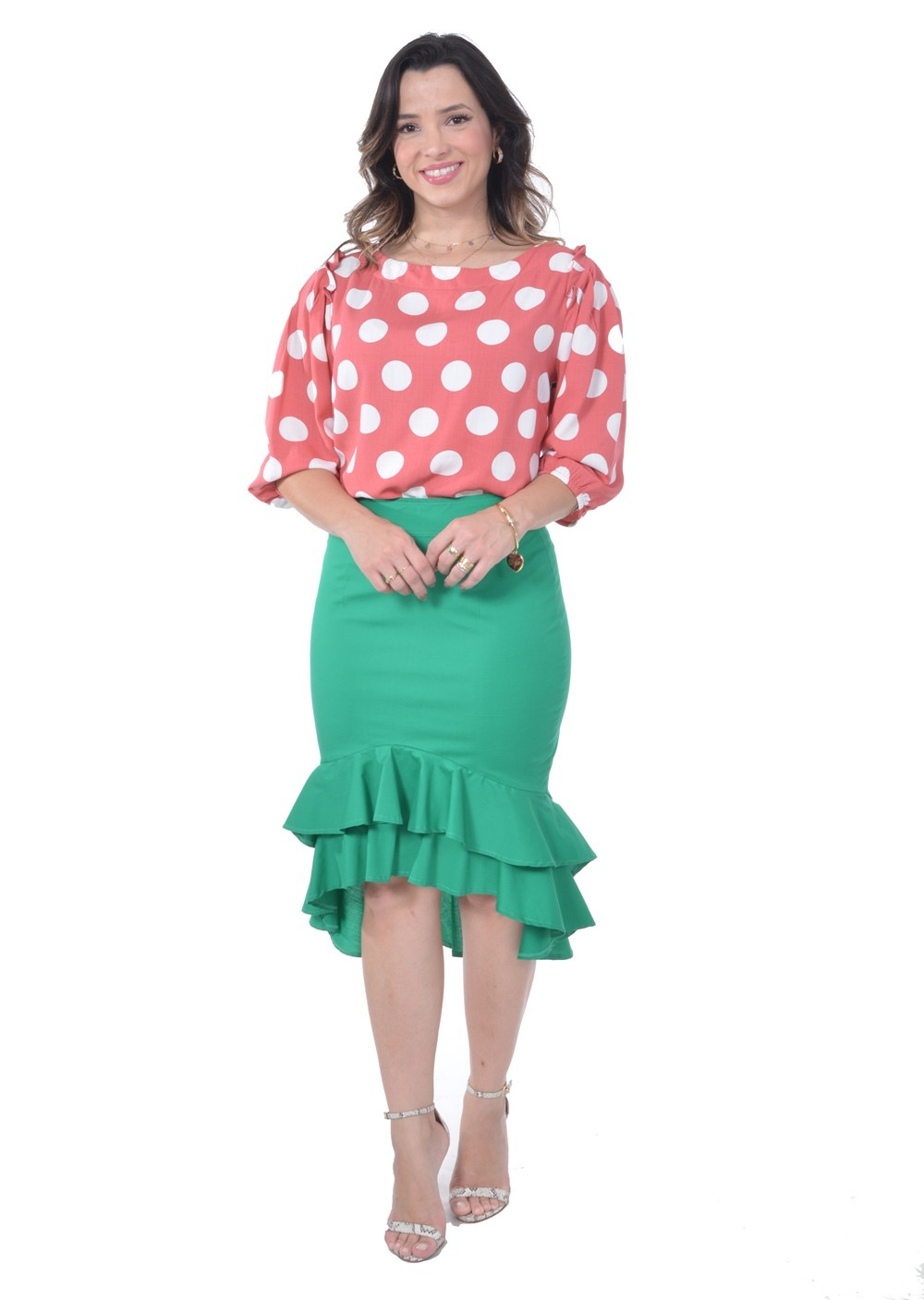 Camisa em viscose estampa de poas