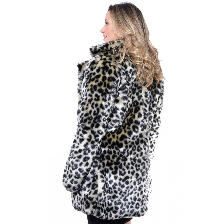 casaco de pele sintética onça
