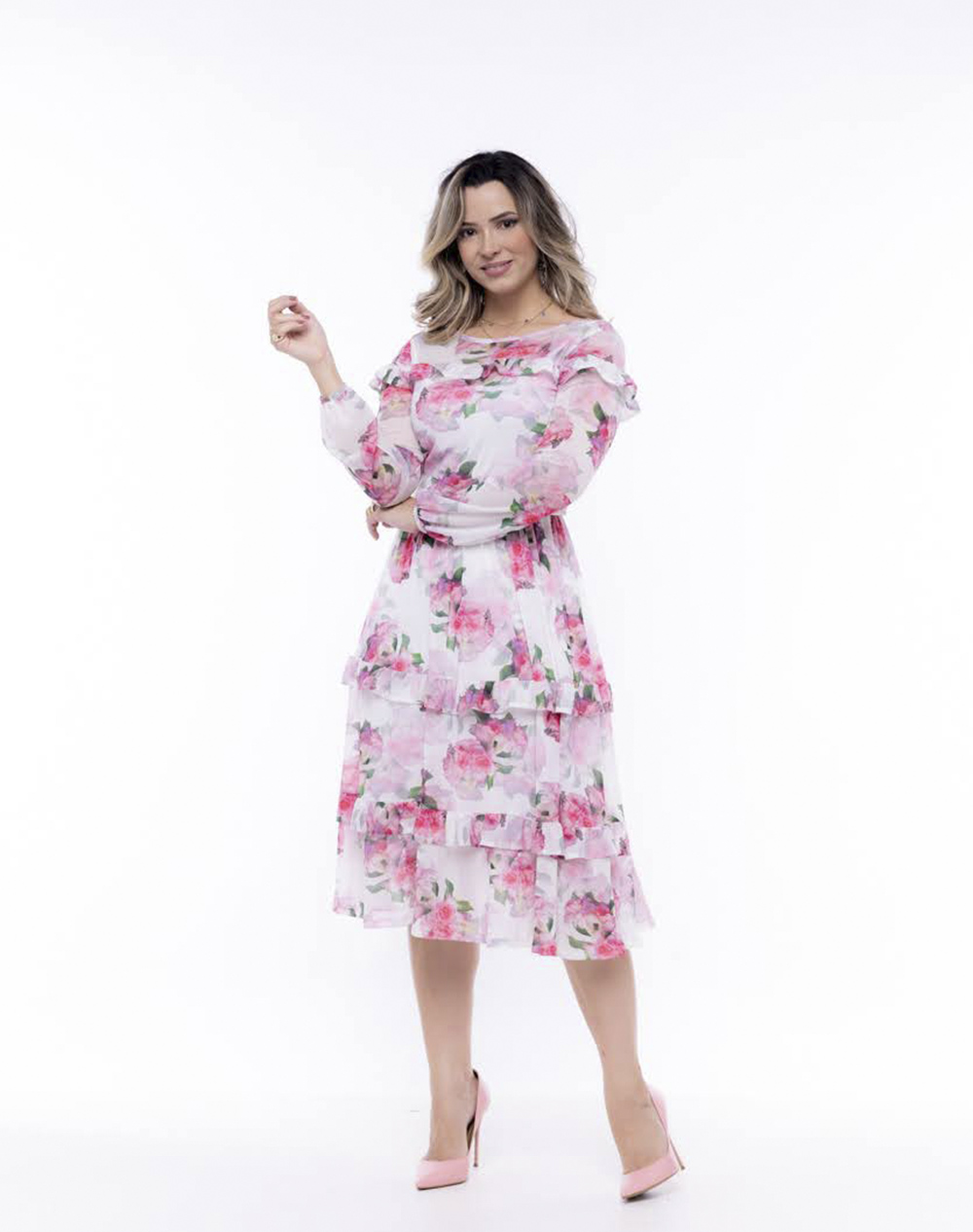 vestido midi em tule floral, modelagem acintura
