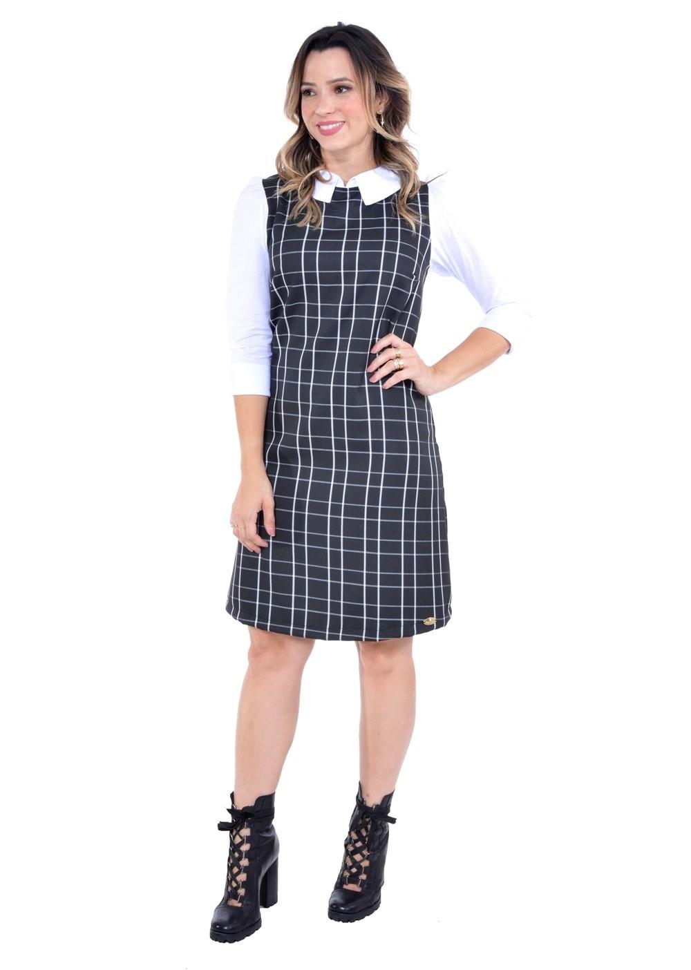 vestido em alfaiataria xadrez