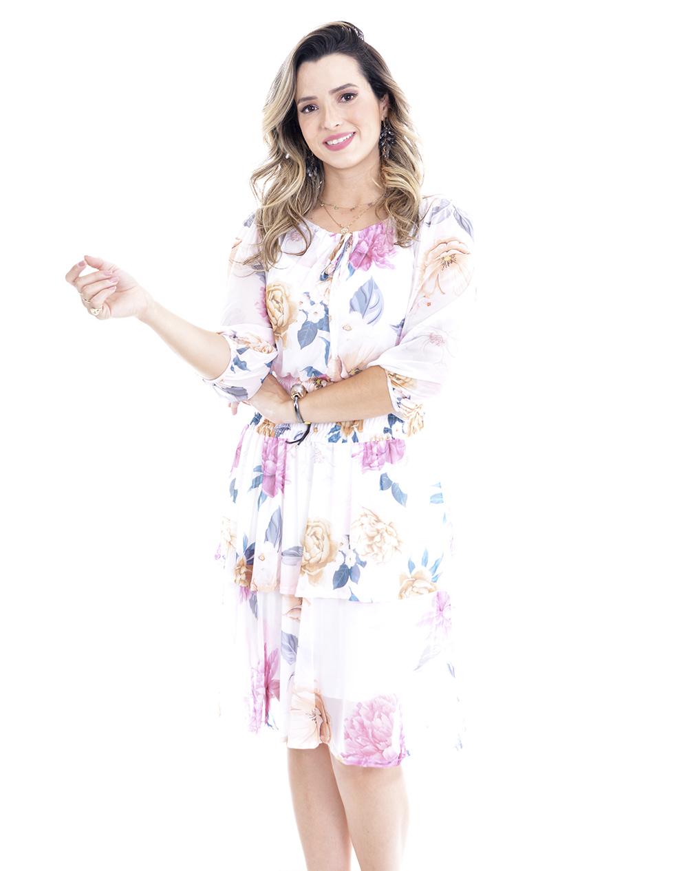vestido em tule floral, modelagem levemente solta