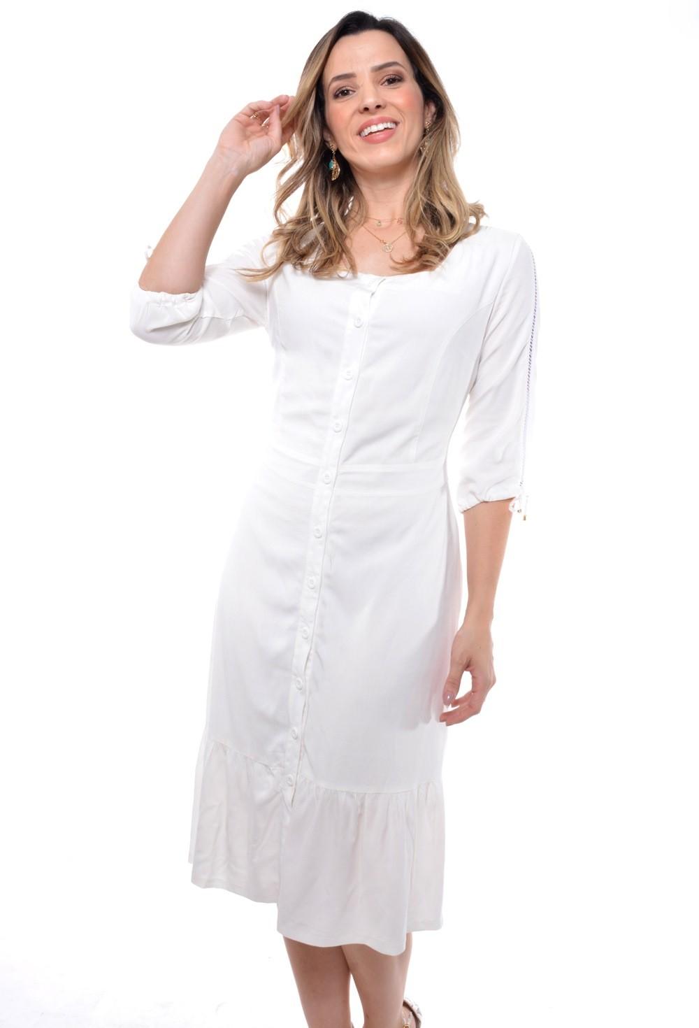 Vestido em viscose, modelagem levemente ajustada