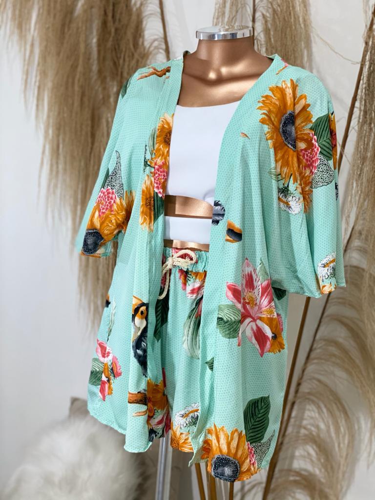 Conjunto floral short e kimono Luiza