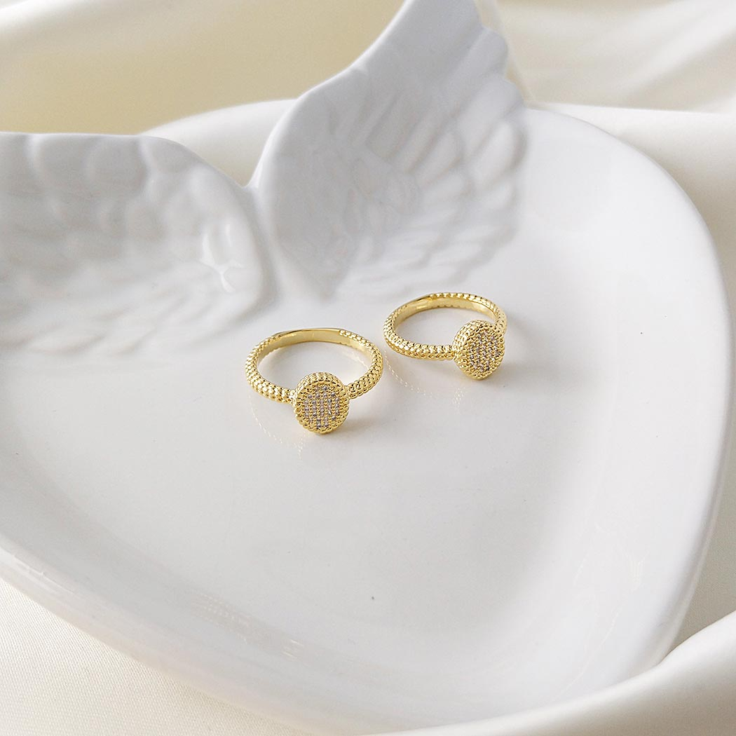 anel chuveiro Daiany Hank zircônias dourado