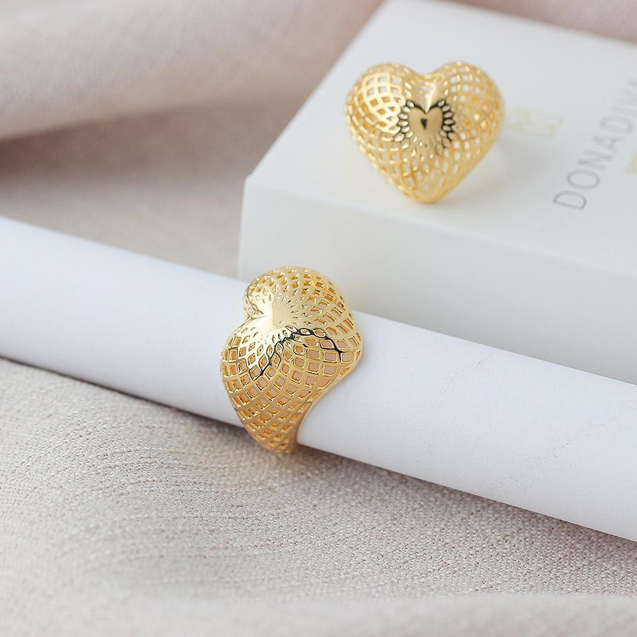 anel coração grande vazado dourado