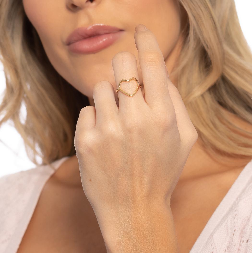 anel delicado coração vazado dourado