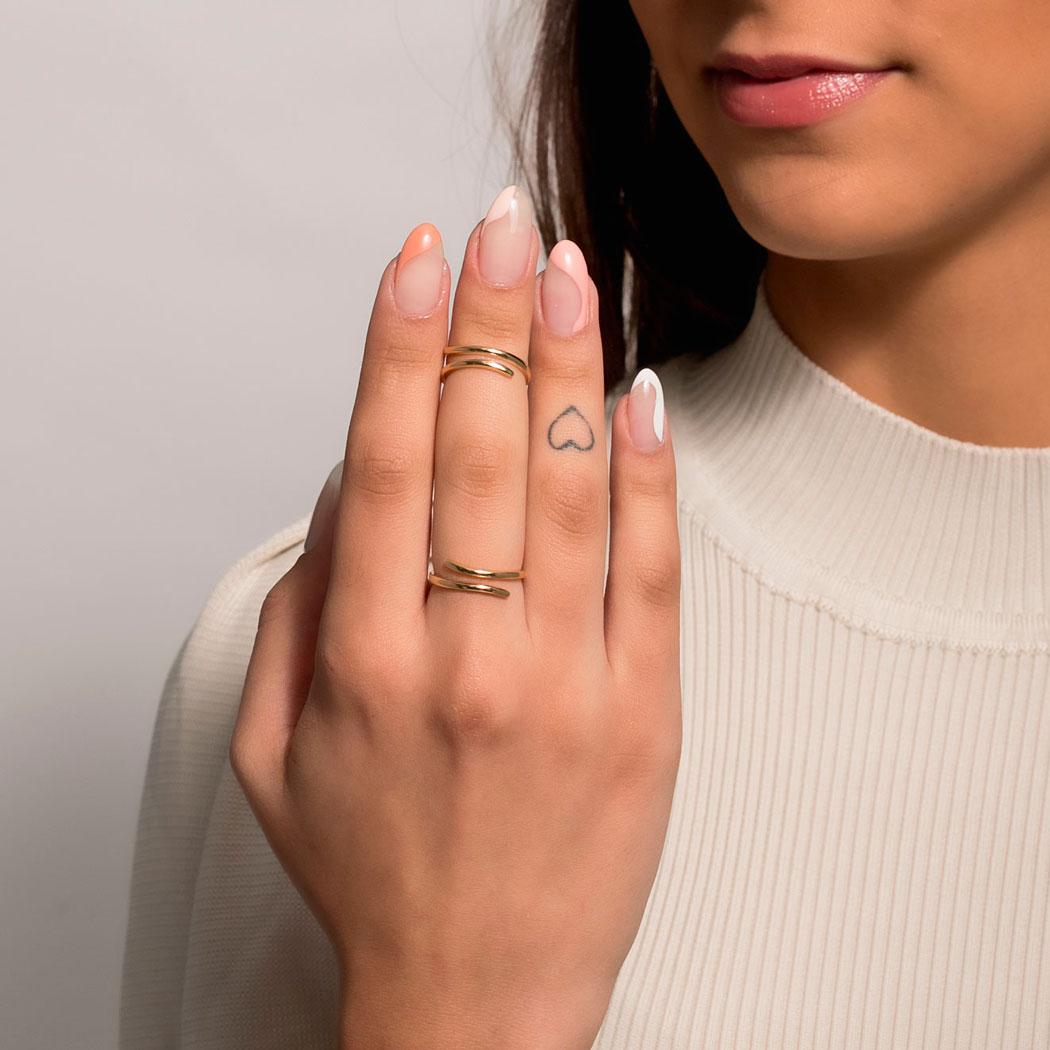 anel regulável liso curvas dourado
