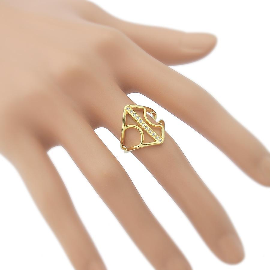 anel triângulo zircônias dourado