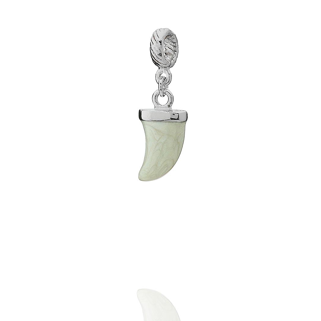 berloque dente de sabre madrepérola