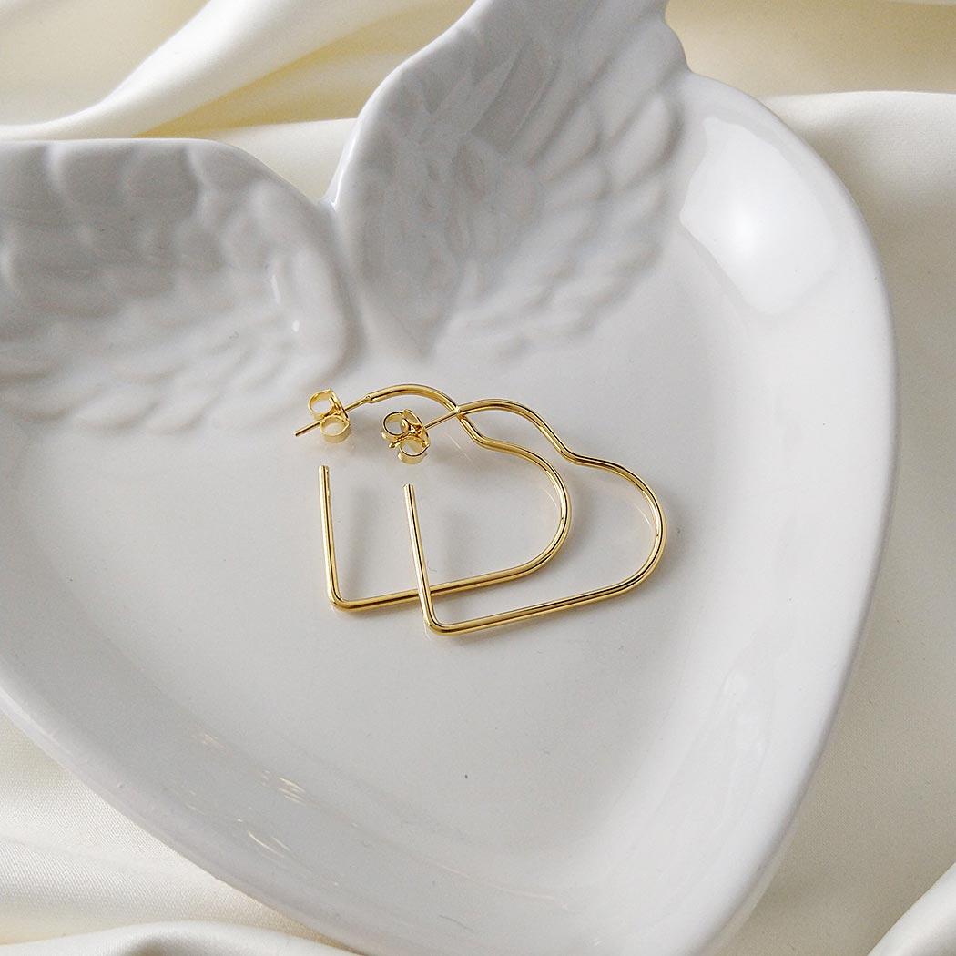 brinco argola Daiany Hank coração 35 mm dourado