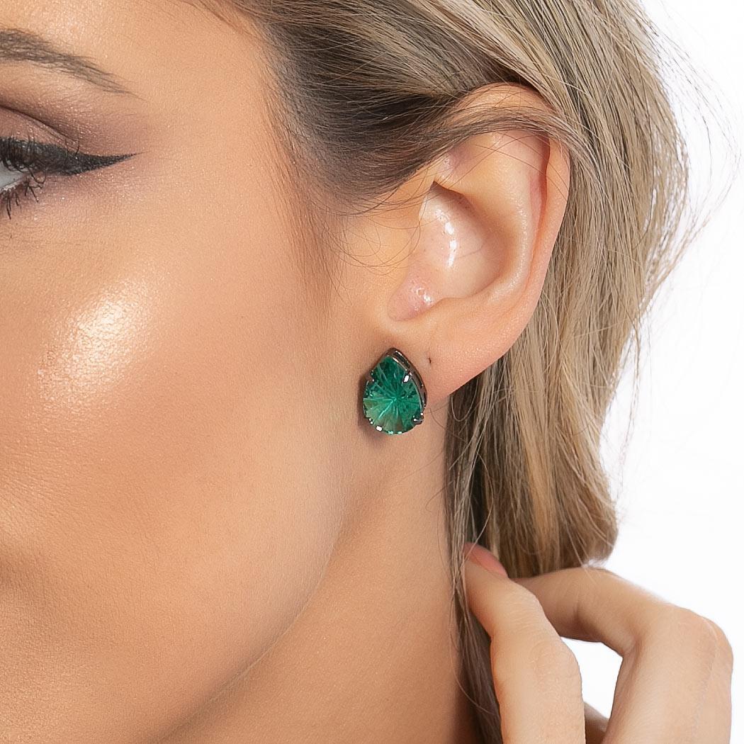 brinco aurora boreal gota zircônia raiada verde ródio negro