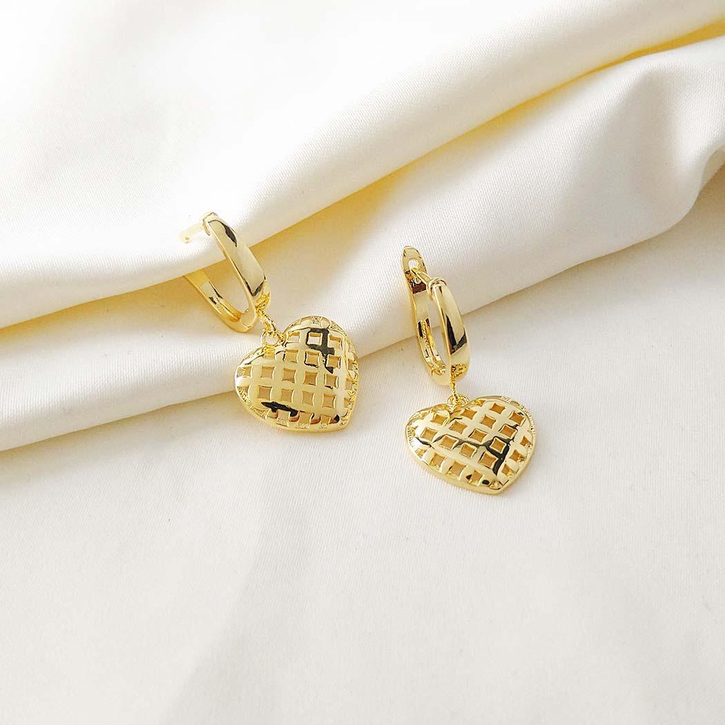 brinco daiany hank argola coração dourado