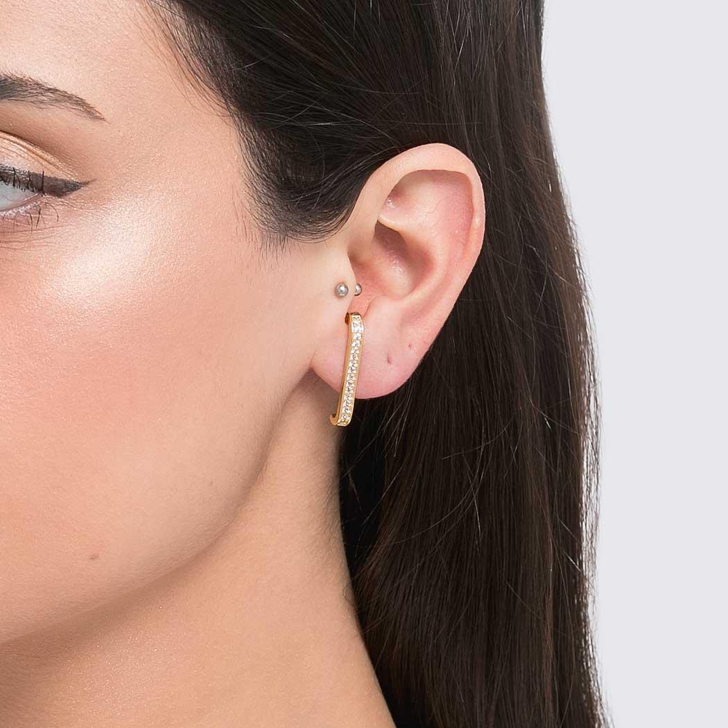 brinco ear hook cravejado dourado
