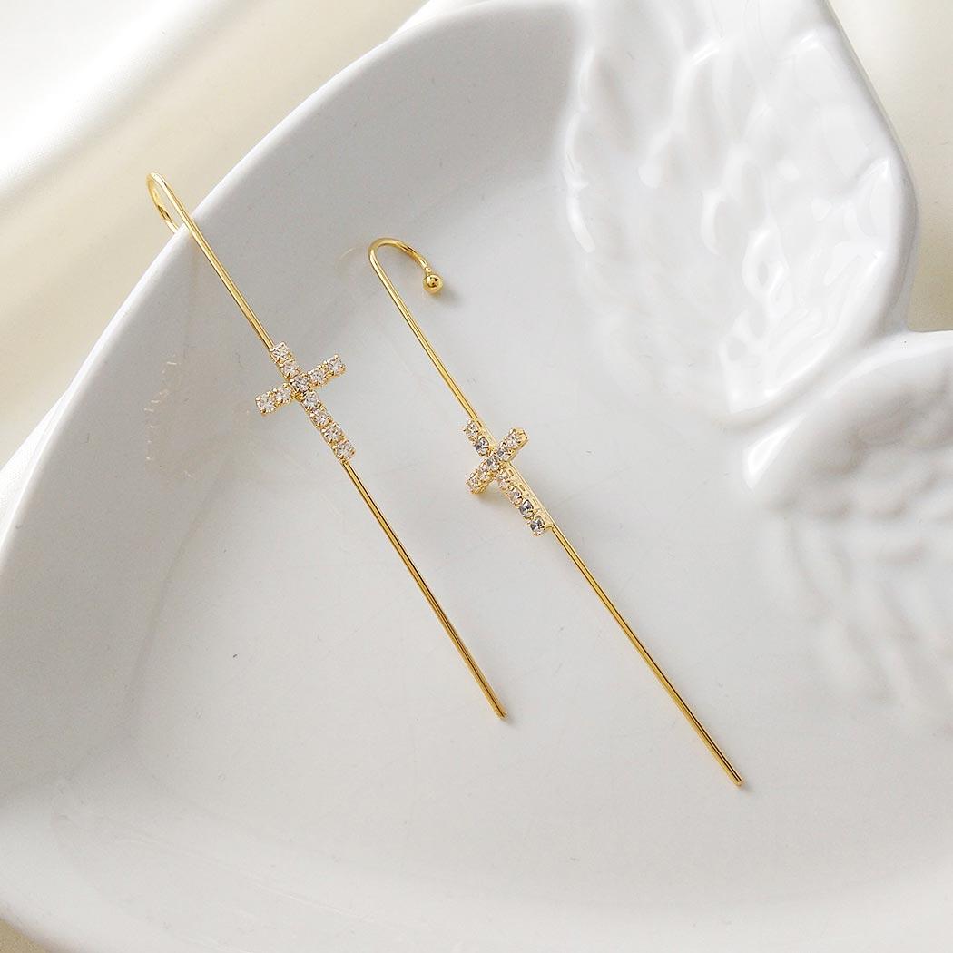 brinco ear pin piercing crucifixo dourado