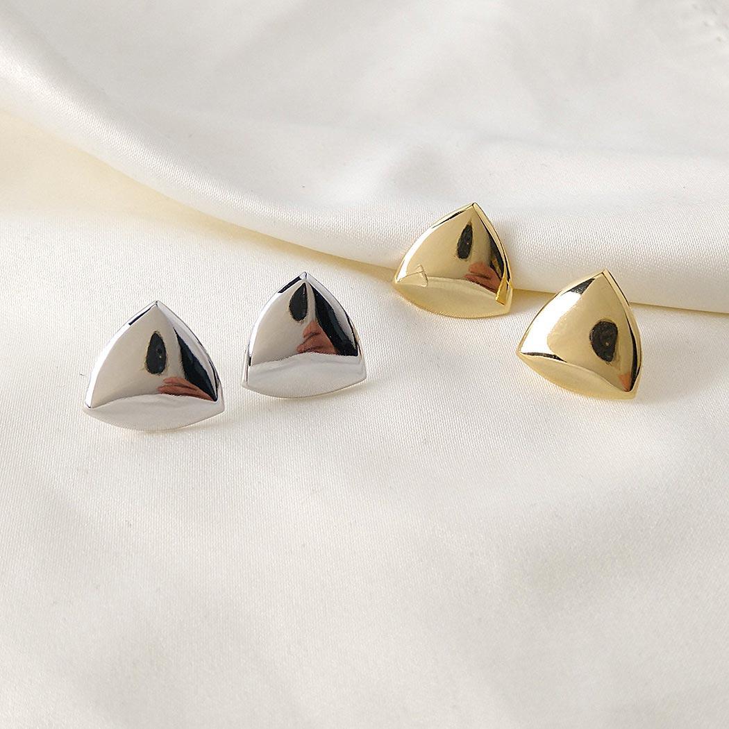brinco formas triangulo liso ródio claro