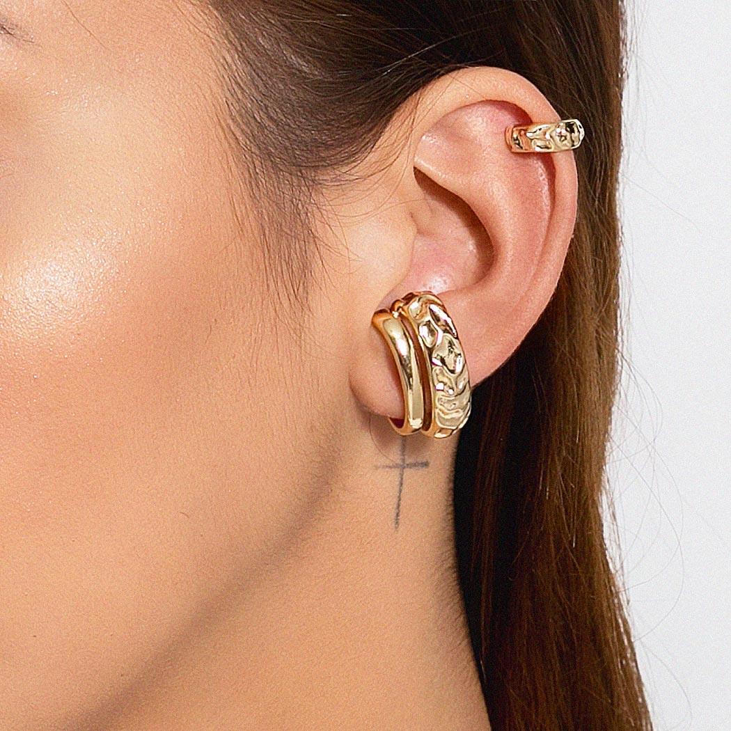 brinco piercing Daiany Hank ondas liso dourado