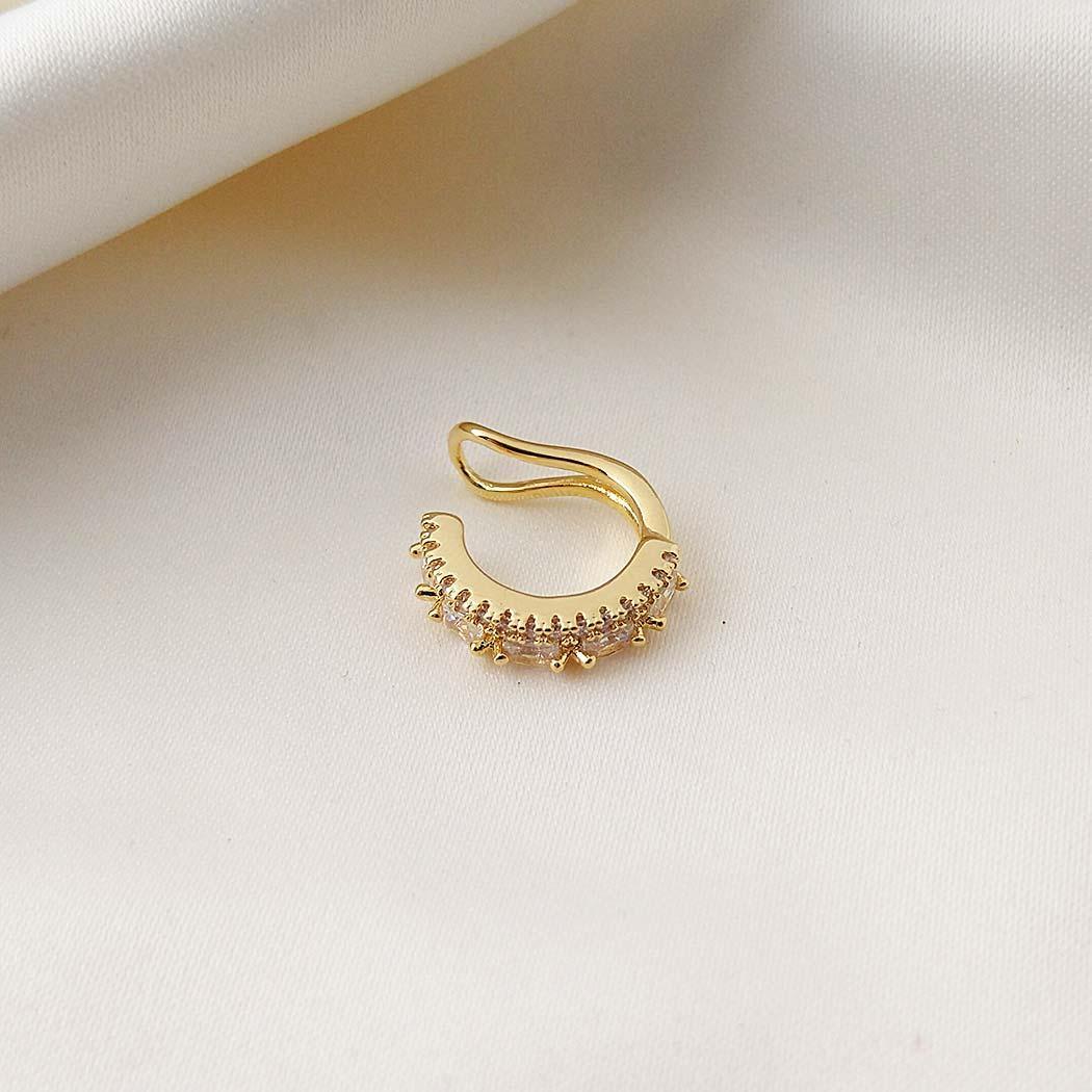 brinco piercing fake cravejado dourado