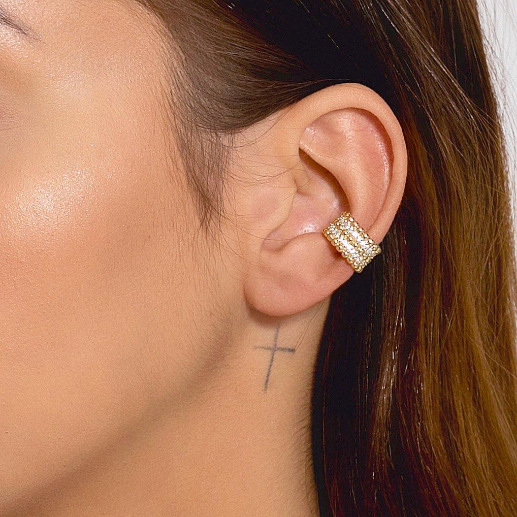 brinco piercing fake Daiany Hank bolas zircônias dourado