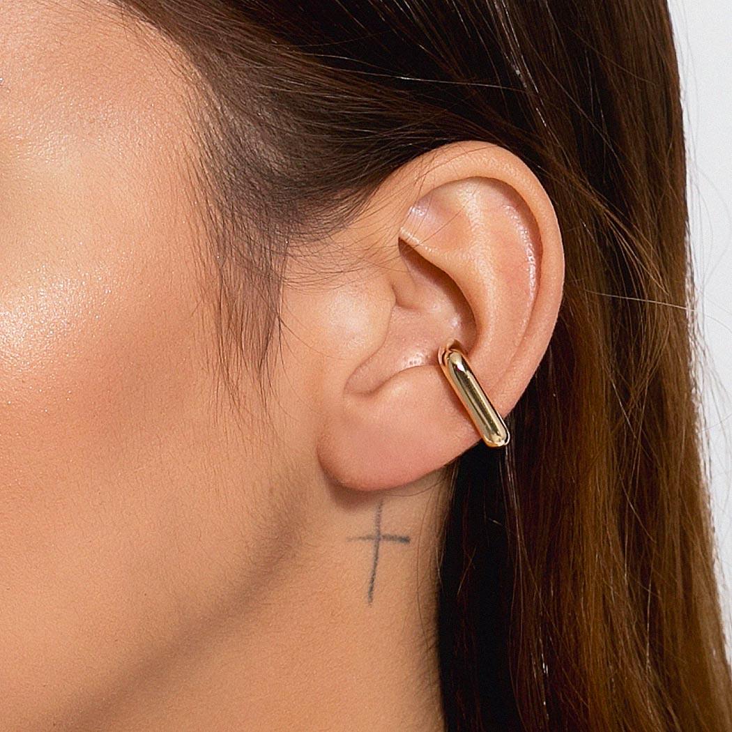 brinco piercing fake Daiany Hank retangular dourado