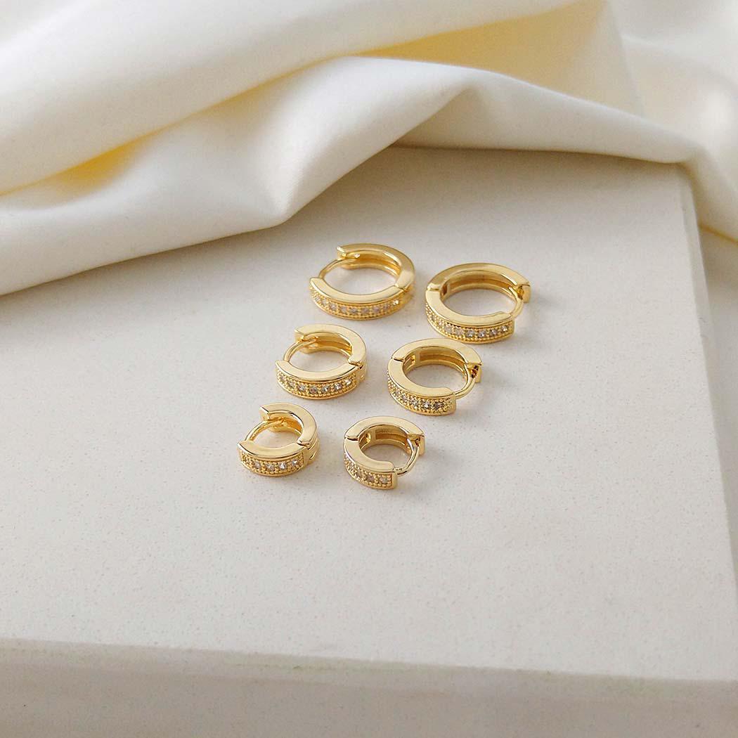brinco trio argolas cravejadas dourado