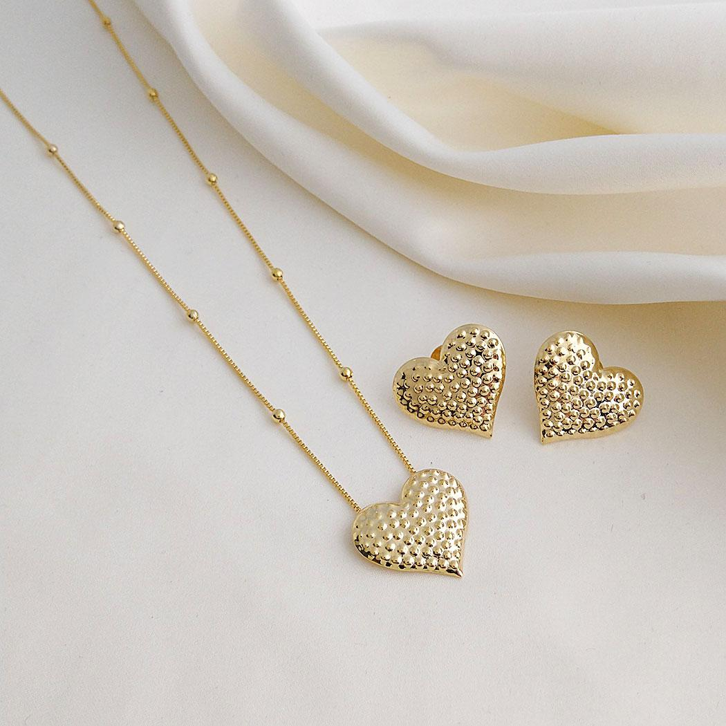 colar coração bolinhas dourado