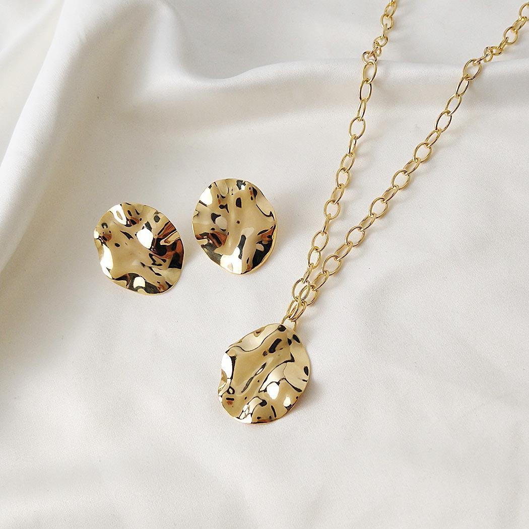 colar elos formas oval dourado