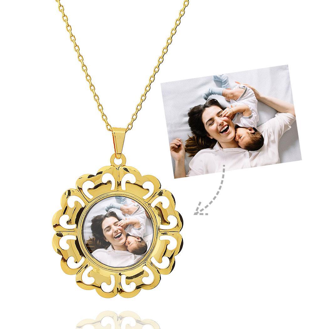 colar foto relicário redondo arabescos dourado