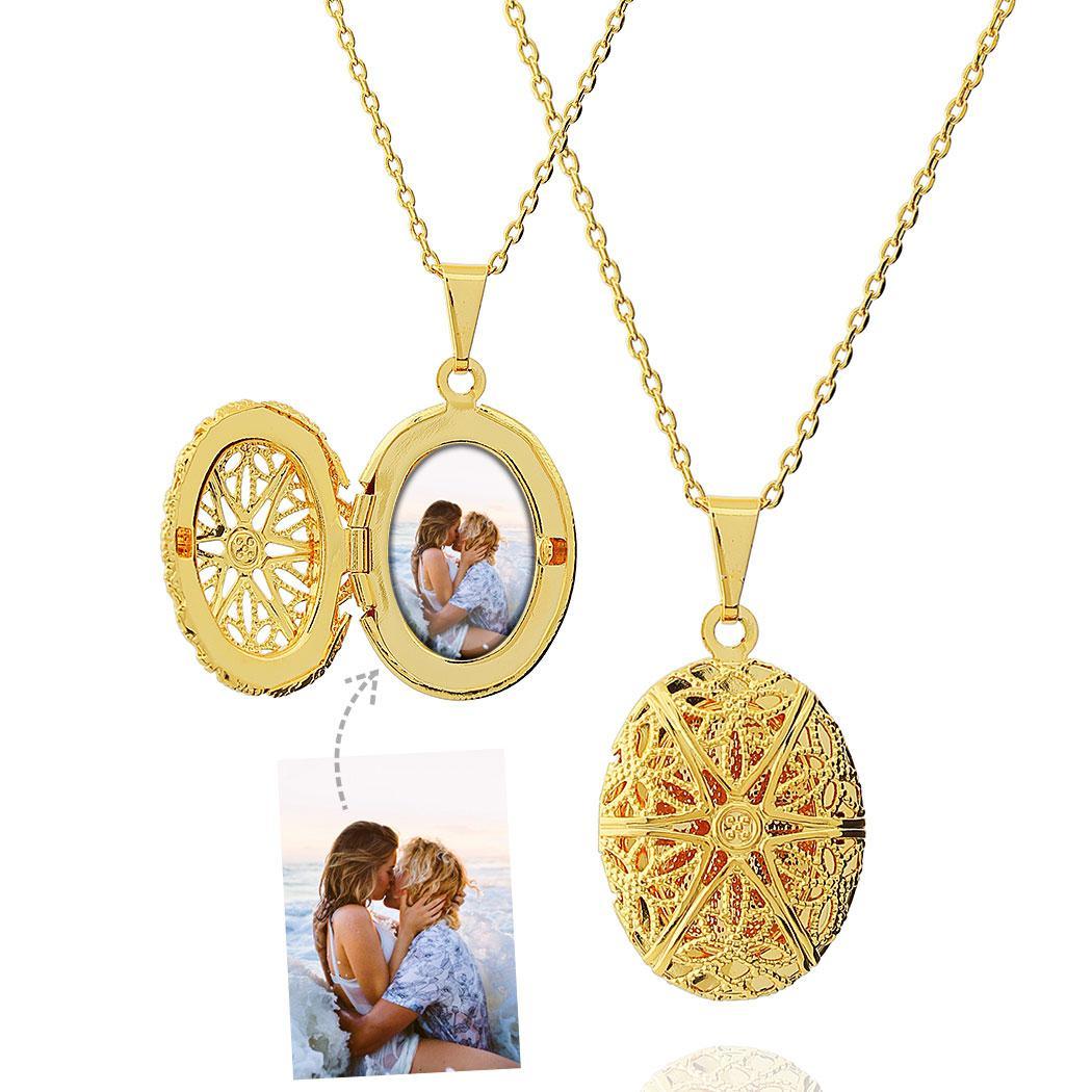 colar relicário foto oval dourado