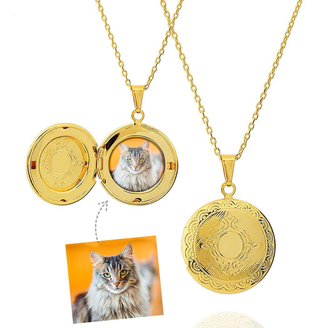 colar relicário foto redondo brasão dourado