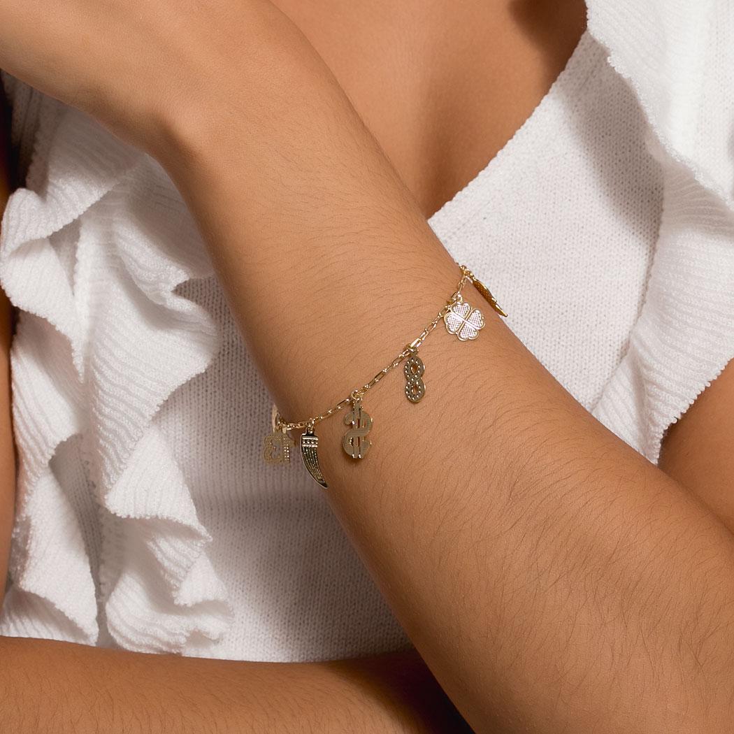 pulseira amuletos dourado