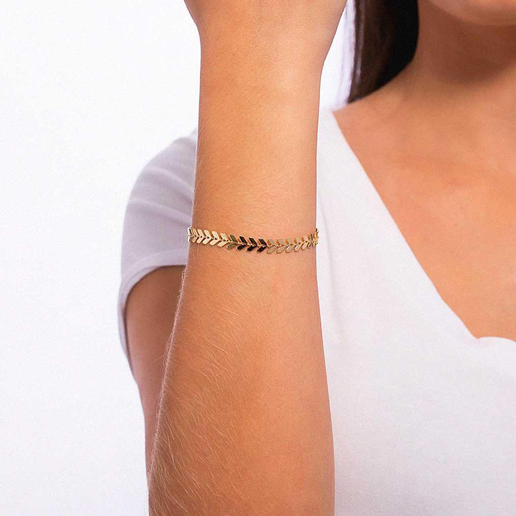 pulseira flechas lisa dourada