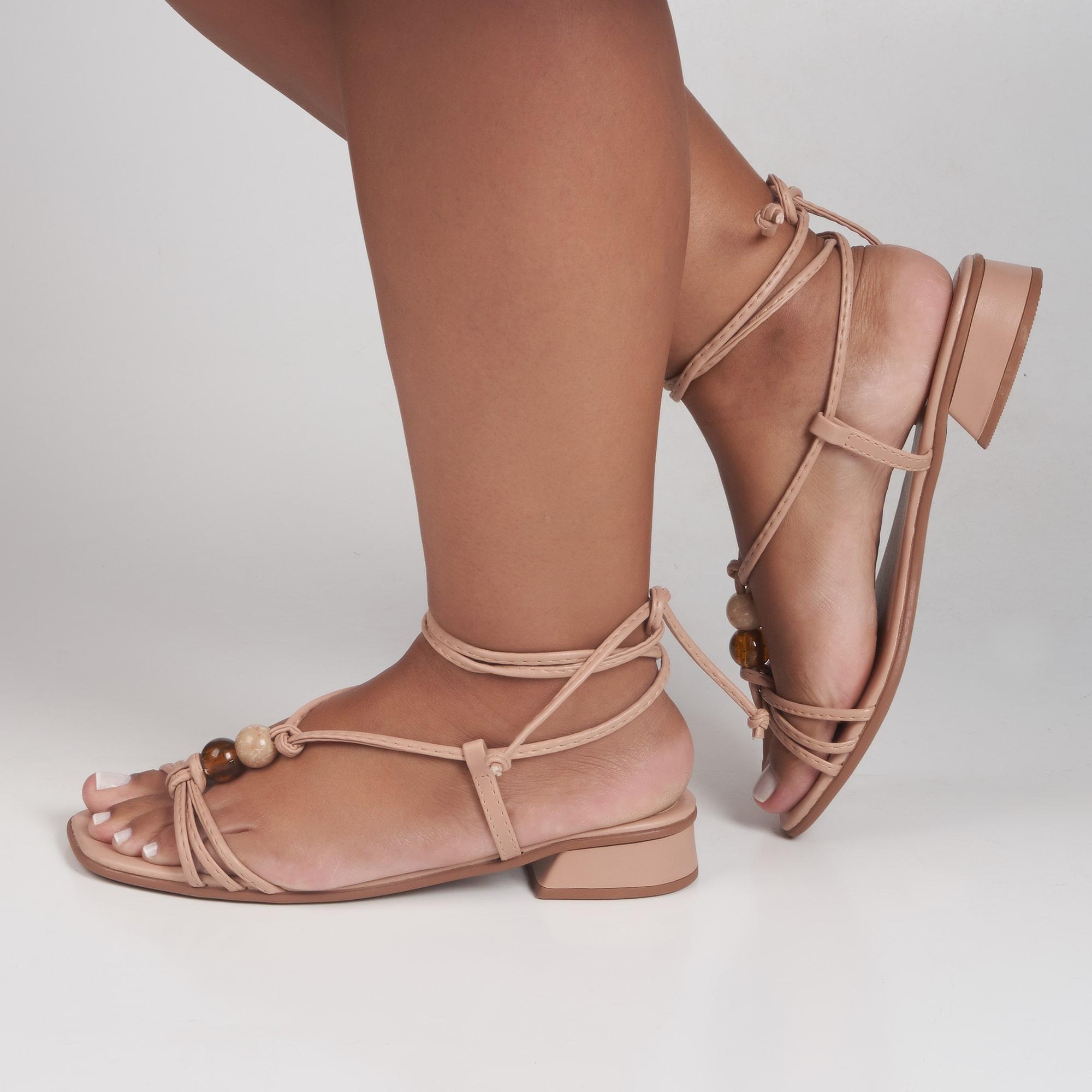 Sandália amarrar salto