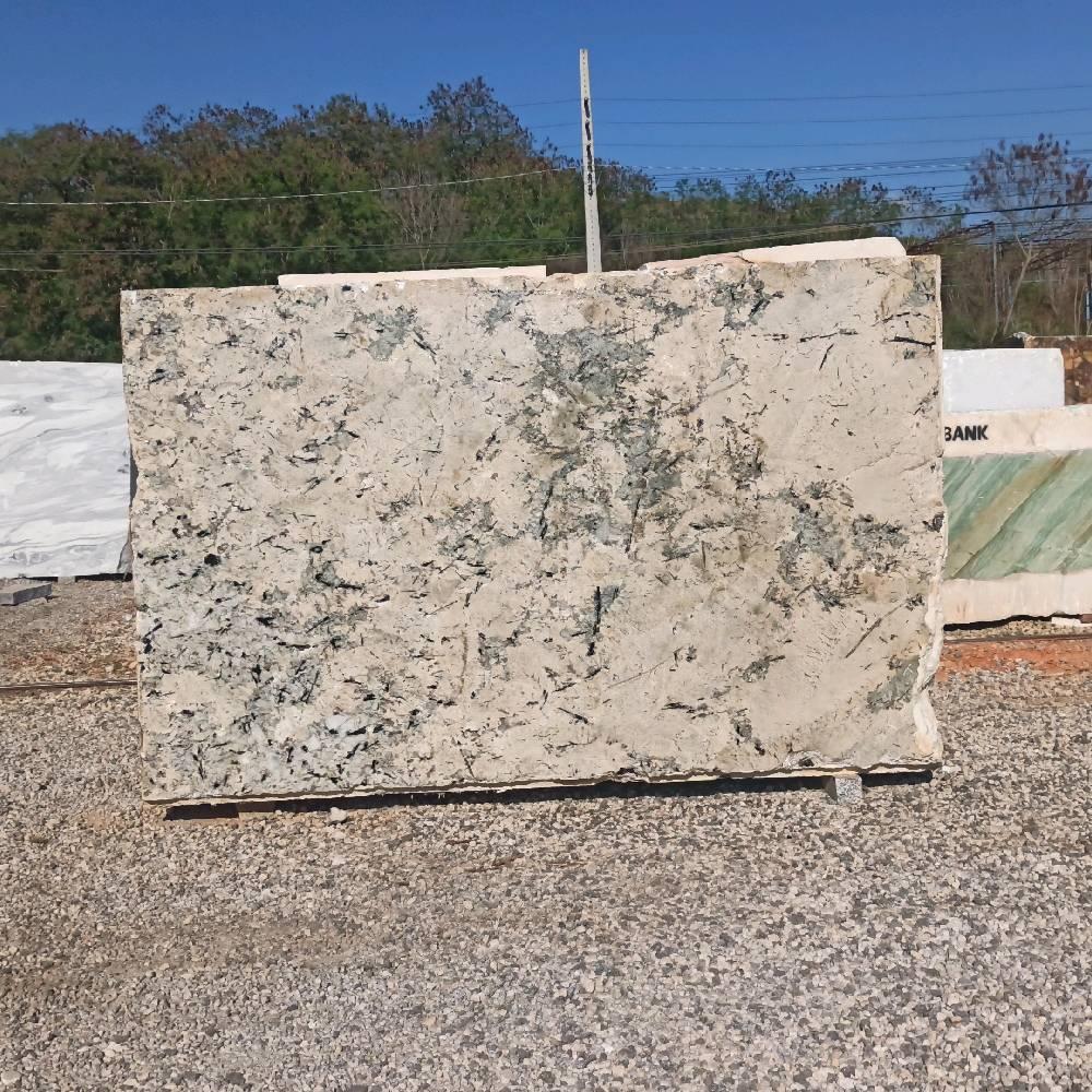 Bloco de Granito New Turmaline - Bloco nº84 - Premium