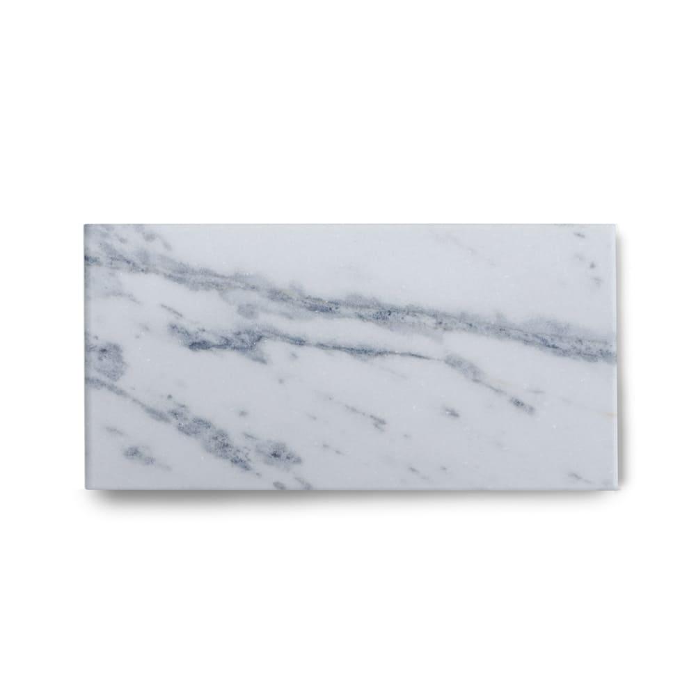 Piso de Mármore Polido Clássico Brazilian Carrara de 1,5cm 57x30cm