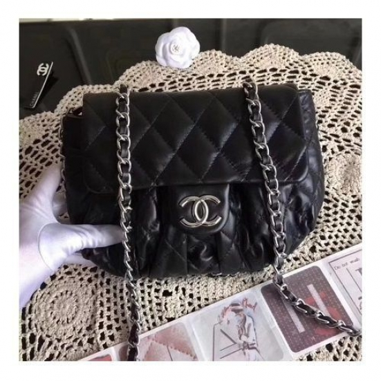 BOLSA  CHANEL CLASSIC FLAP BAG SHEEPSKIN A33658