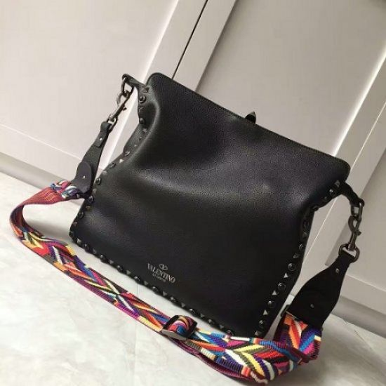 BOLSA VALENTINO GUITAR ROCKSTUD ROLLING HOBO ALL BLACK