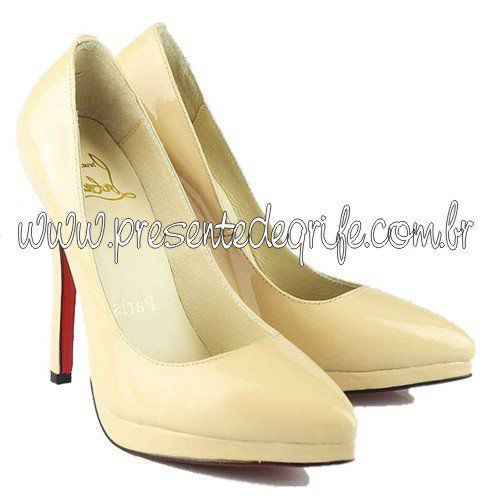 SAPATO CHRISTIAN LOUBOUTIN PATENT POINTED TOE PUMP