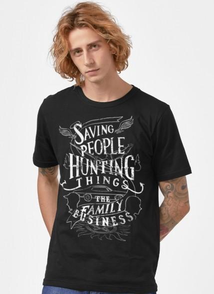 Camiseta Supernatural Saving People Type