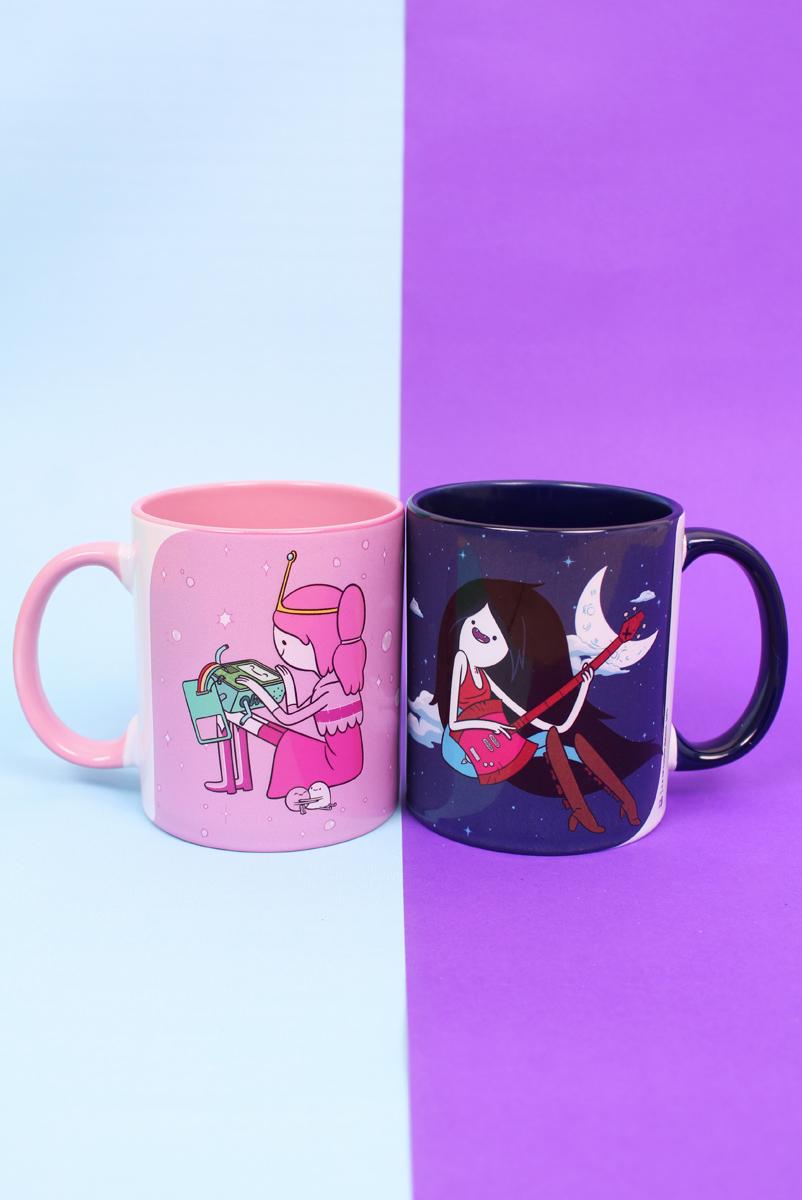 Kit 2 Canecas Coloridas Hora de Aventura Marceline e Princesa Jujuba