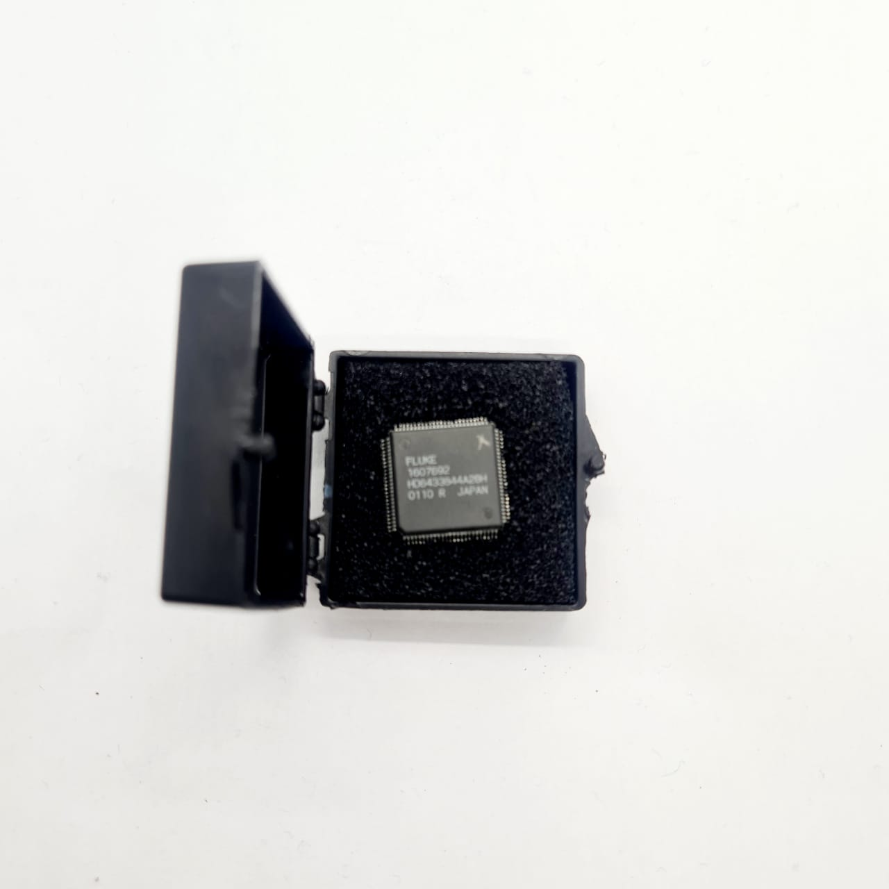 Circuito Integrado FLUKE 1607692 HD6433844A28H JAPAN CI 32