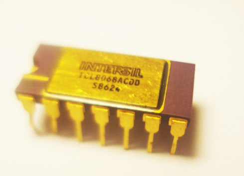 Circuito Integrado ICL8068ACDD Intersil 14-Bit/16-Bit -H09