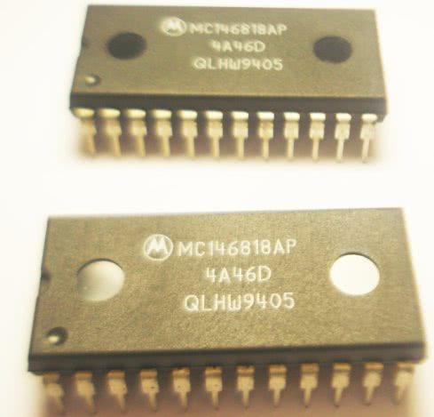 Circuito Integrado MC146818AP Real Time Clock 50 BYTES RAM -H07